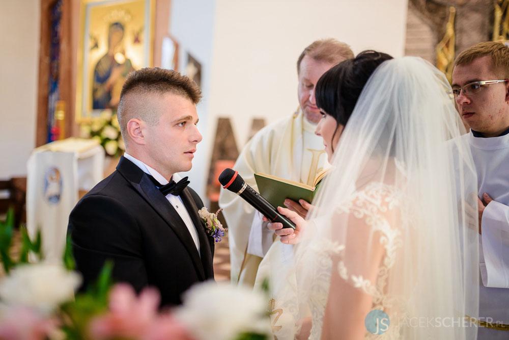 fotograf slubny lublin 27 2 - Karolina i Kamil | Plener w Muzeum Wsi Lubelskiej