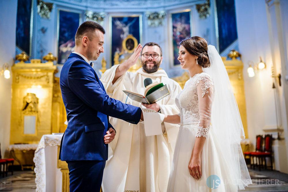 fotograf slubny lublin 10 - Magda i Mateusz | Klasztor Ojców Dominikanów