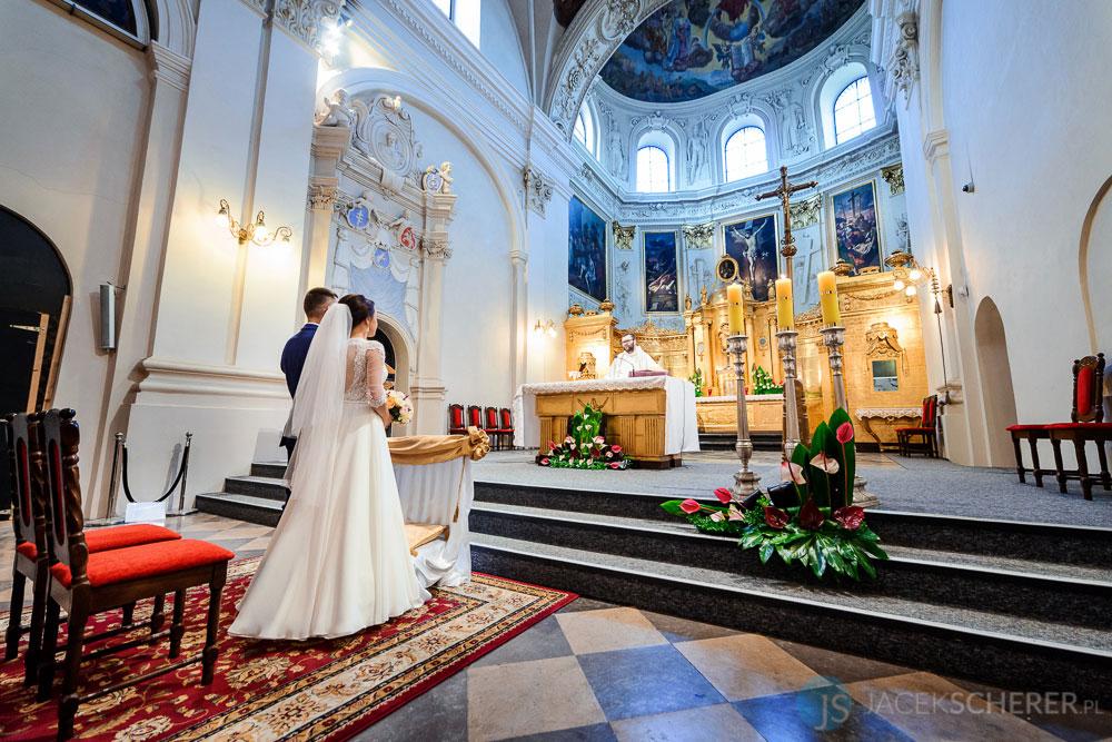 fotograf slubny lublin 13 - Magda i Mateusz | Klasztor Ojców Dominikanów