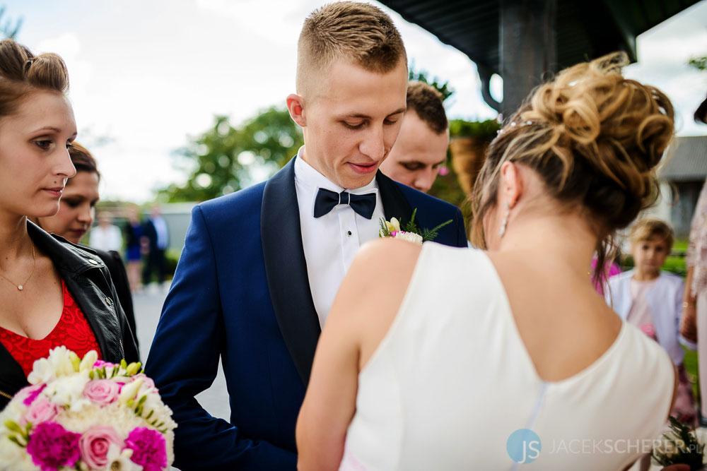 fotograf slubny lublin 016 - Kamila i Kamil | Sosnowe Uroczysko