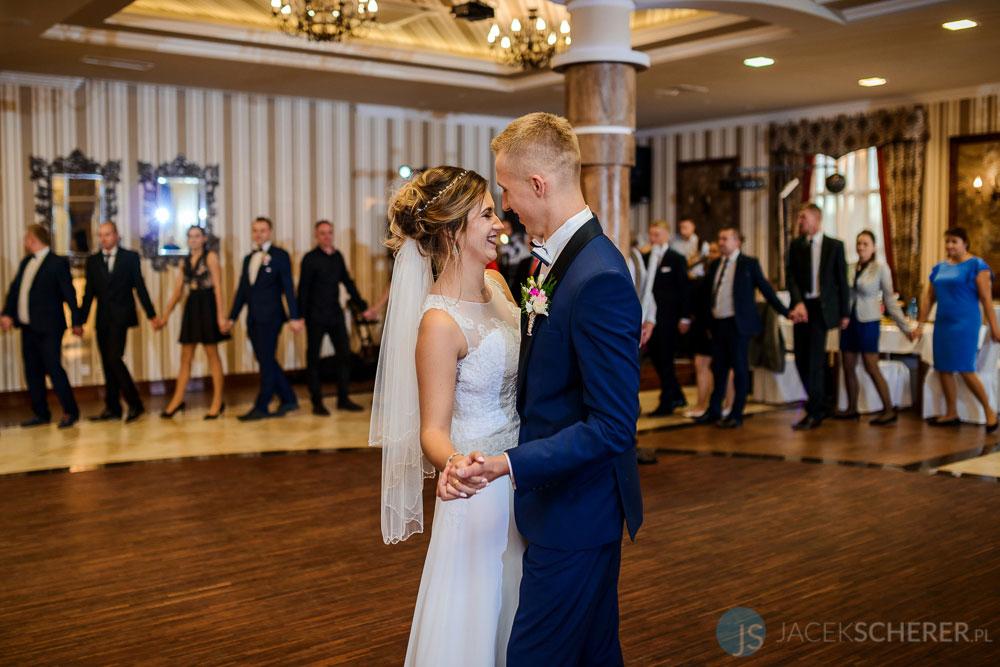 fotograf slubny lublin 059 - Kamila i Kamil | Sosnowe Uroczysko